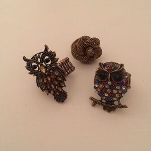 3 costume jewelry rings